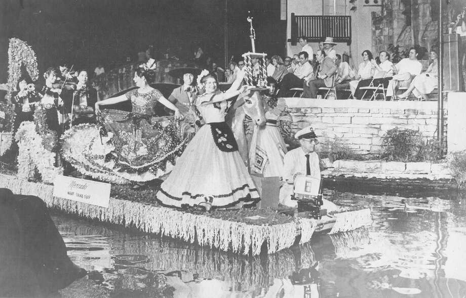 Fiesta River Parade 1981: The El Mercado float was the grand prize winner. Photo: San Antonio Express-News File Photo
