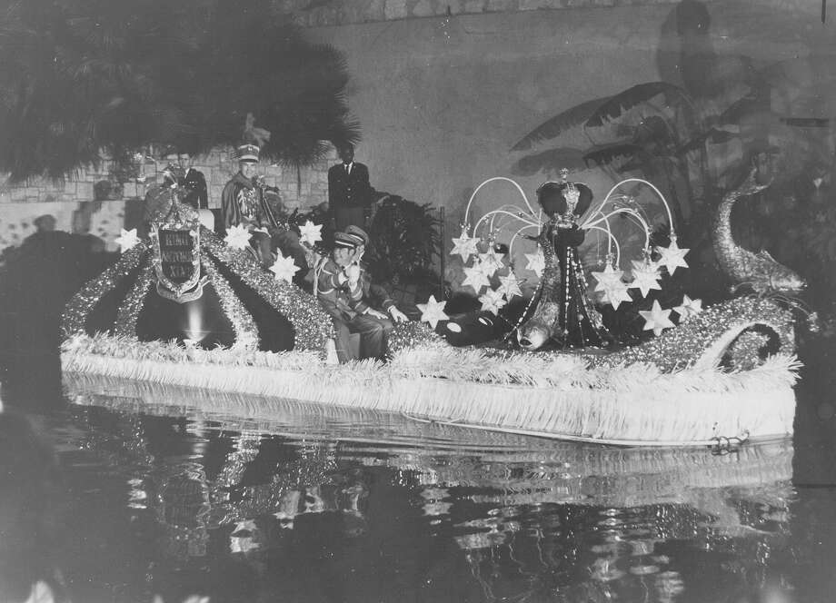 Fiesta River Parade 1970 Photo: San Antonio Express-News File Photo
