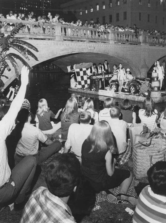 Fiesta River Parade 1968 Photo: San Antonio Express-News File Photo