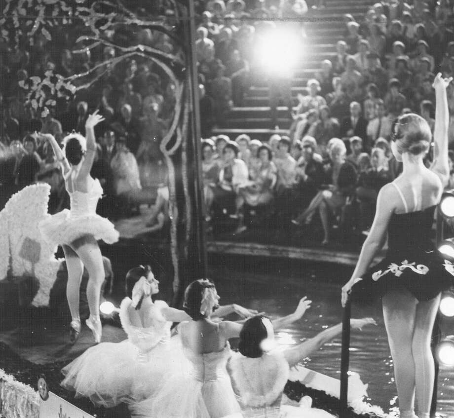 "Fiesta River Parade 1965: A float depicts ""Swan Lake."" Photo: San Antonio Express-News File Photo"