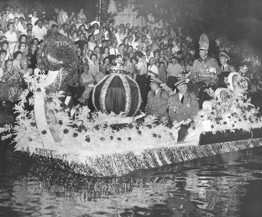 Fiesta River Parade 1963 Photo: San Antonio Express-News File Photo