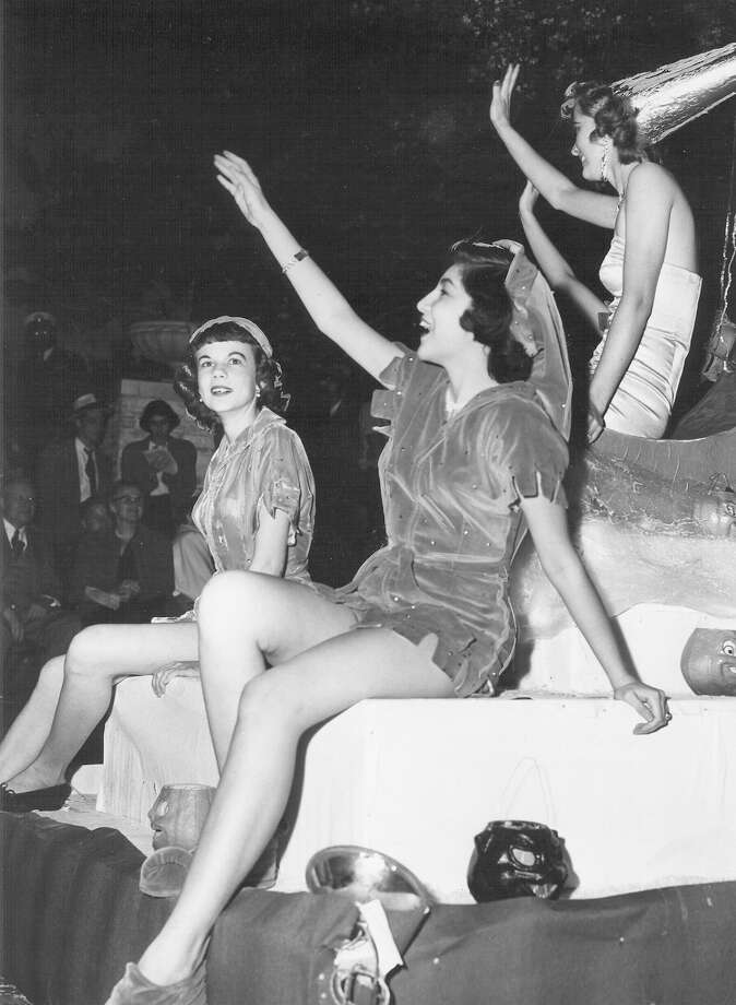 Fiesta River Parade 1950 Photo: San Antonio Express-News File Photo