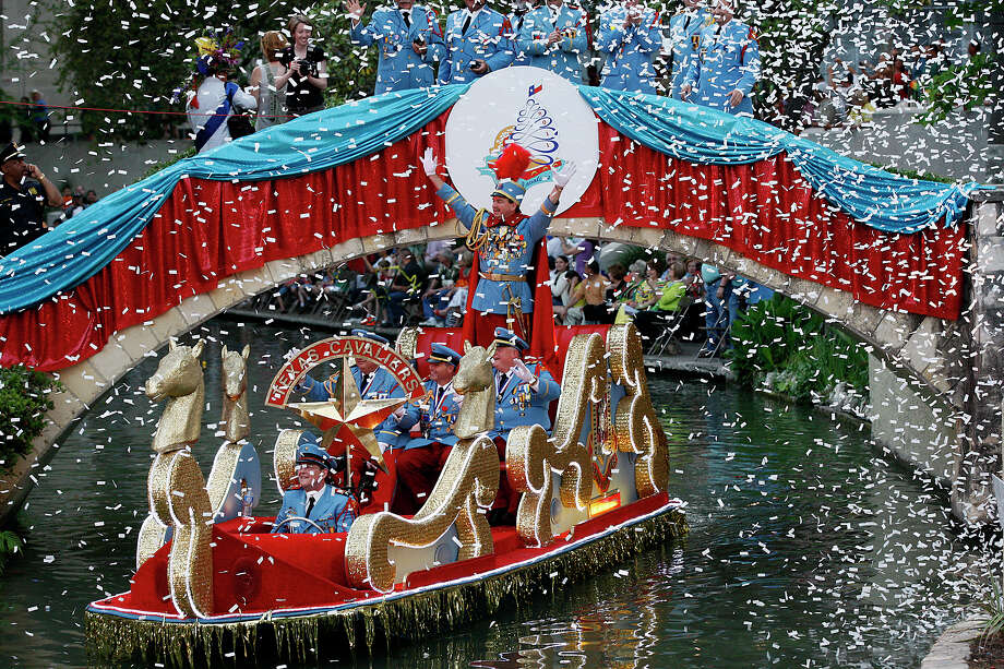 Fiesta River Parade 2011: King Antonio LXXXIX William Mitchell and his aides enter the Arneson River Theatre. Photo: Jerry Lara / San Antonio Express-News / SAN ANTONIO EXPRESS-NEWS