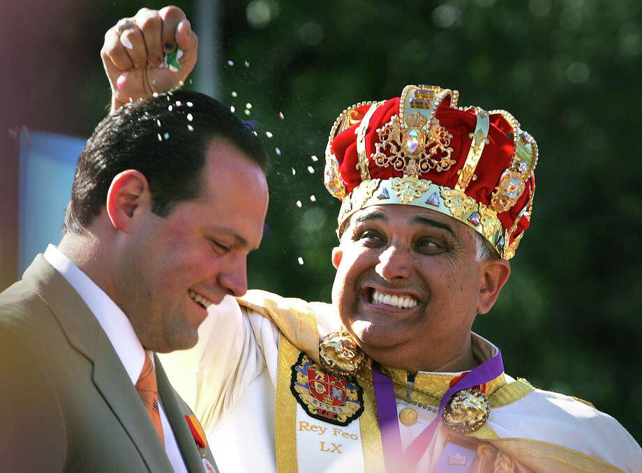 2008, Fernando Reyes: Rey Feo LX. Photo: Bob Owen / San Antonio Express-News / SAN ANTONIO EXPRESS-NEWS