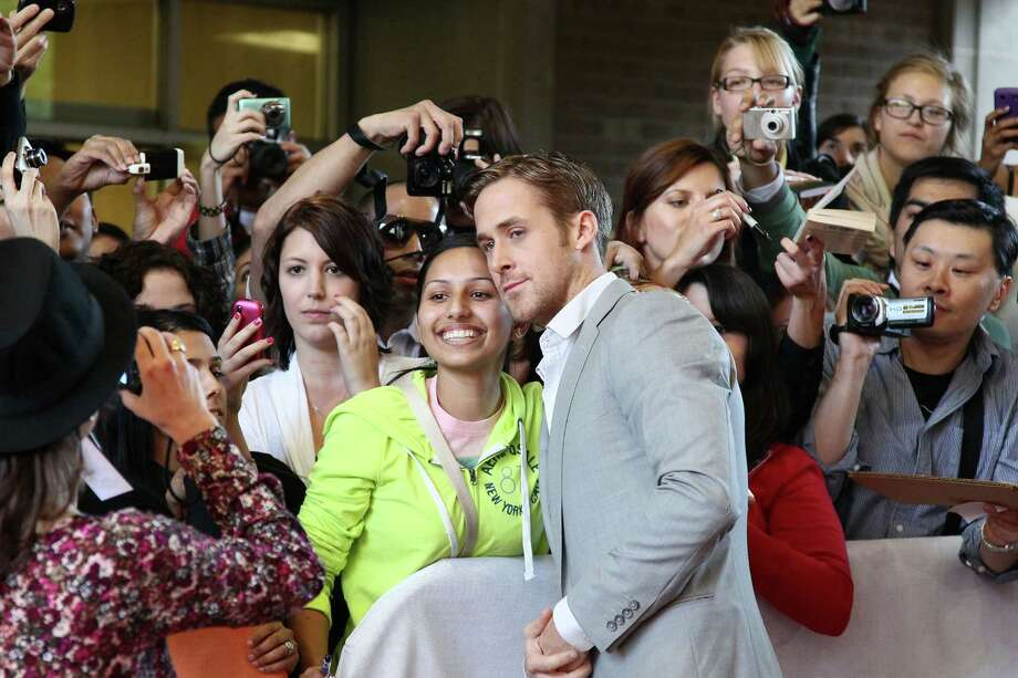 He's open with fans (that's sort of a face hug, right?) Photo: Vito Amati, Getty Images / 2010 Getty Images