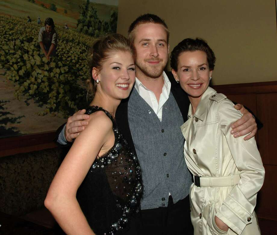 With Rosamund Pike (left) and Embeth Davidtz (right) at the 2007 premiere of Fracture. Photo: Stephen Shugerman, Getty Images / 2007 Getty Images