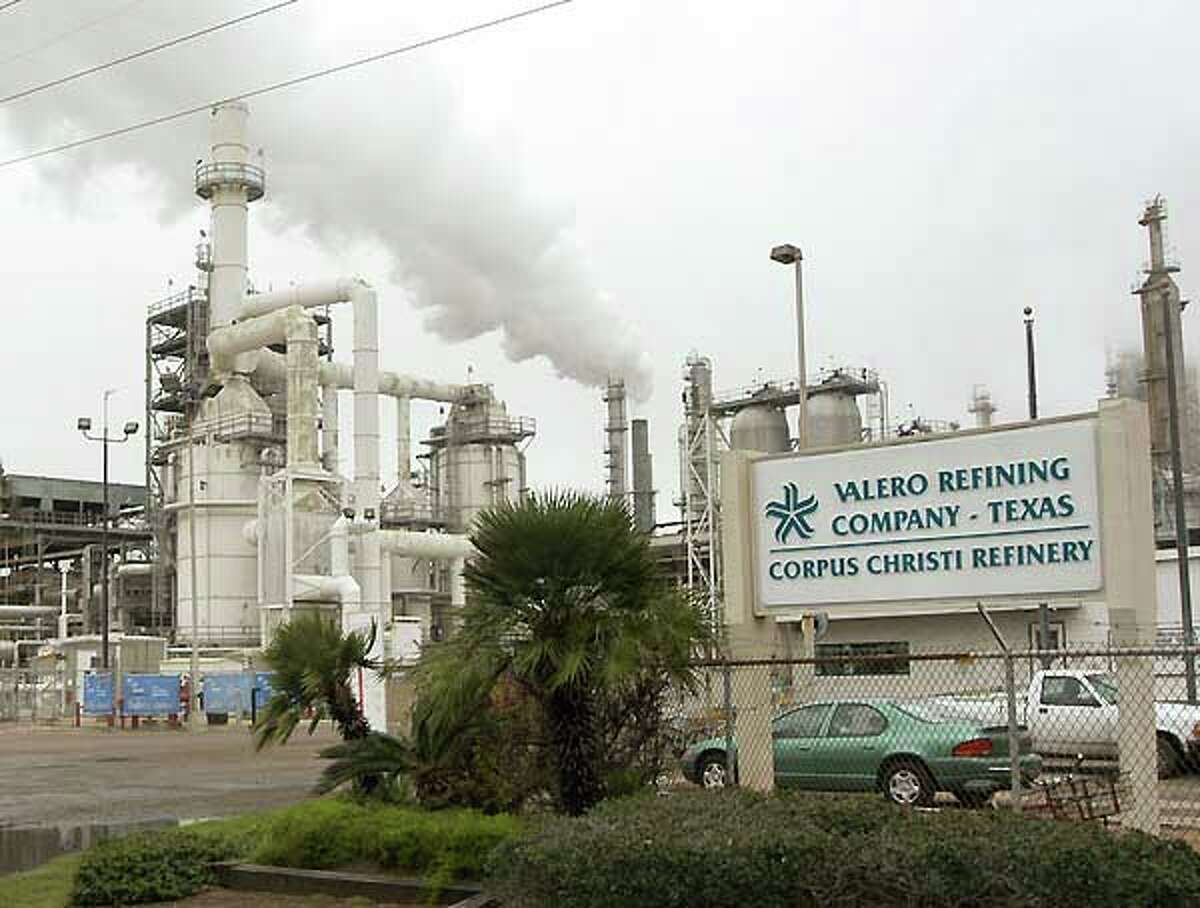 San Antonio refining company Valero Energy Corp. reported a storage tank accident and a leak at one of its two refineries in Corpus Christi.