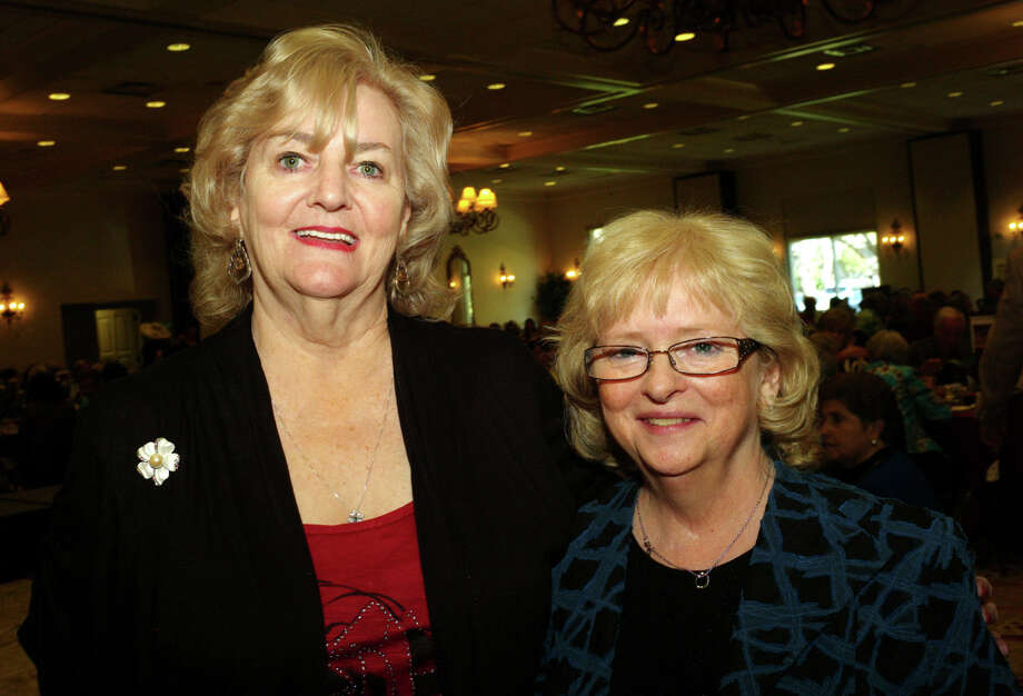 Janet Crawford (left) and Brenda Blaha Photo: LELAND A. OUTZ, For The Express-News / SAN ANTONIO EXPRESS-NEWS