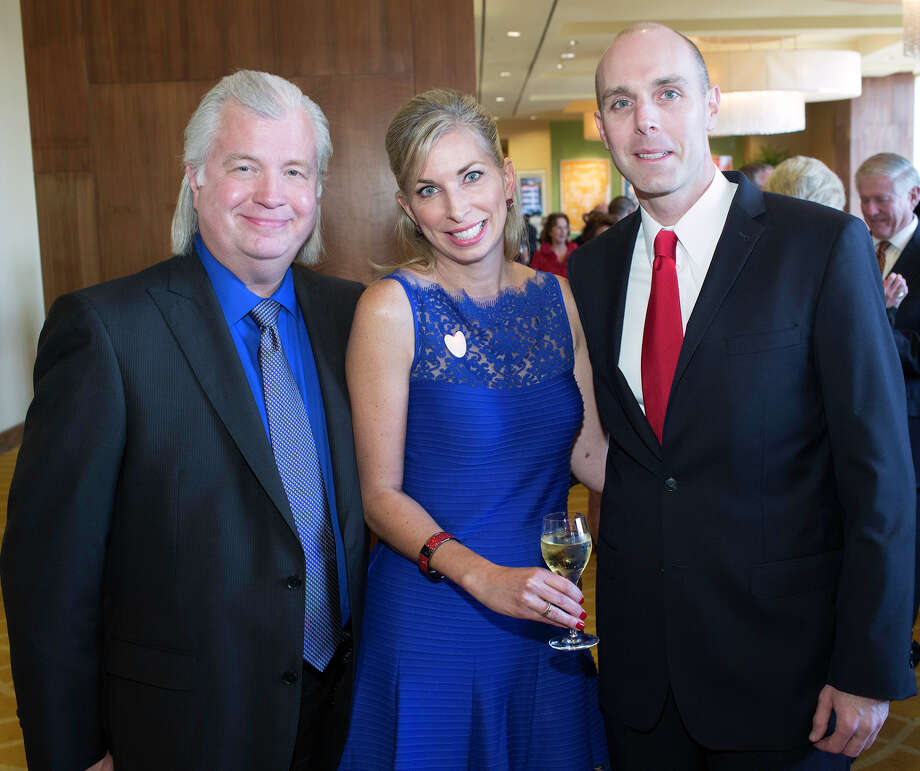 Gordon and Joanna Weidman (from left) and John Kuntz Photo: J. MICHAEL SHORT, FOR THE EXPRESS-NEWS / THE SAN ANTONIO EXPRESS-NEWS