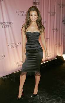 NEW YORK - NOVEMBER 09:  Singer Thalia arrives at The Victoria's Secret Fashion Show at the 69th Regiment Armory November 9, 2005 in New York City.  (Photo by Thos Robinson/Getty Images) *** Local Caption *** Thalia Photo: Thos Robinson, Stringer / Getty Images North America
