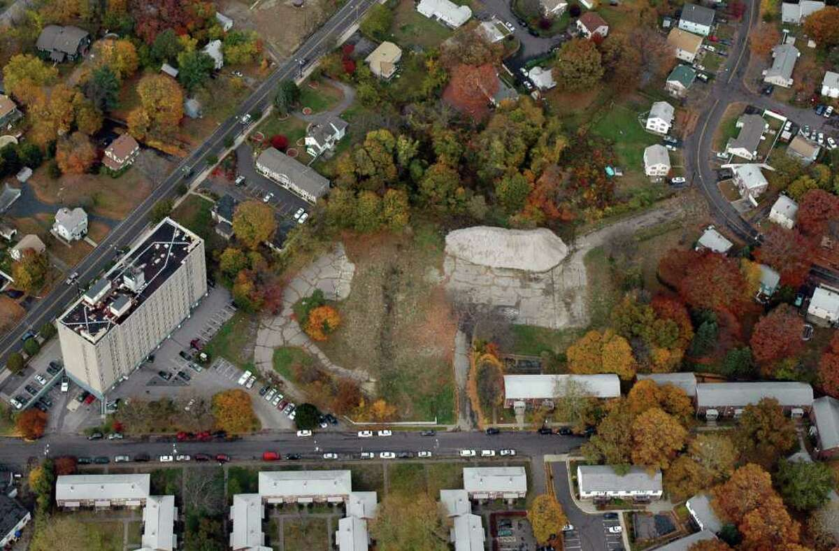 The site of the proposed detention and treatment facility for girls on Virginia Ave. (bottom) in Bridgeport, Conn. in Nov. of 2009. (Huntington Turnpike runs north to the left of this photo). Aerial photo by Morgan Kaolian/AEROPIX