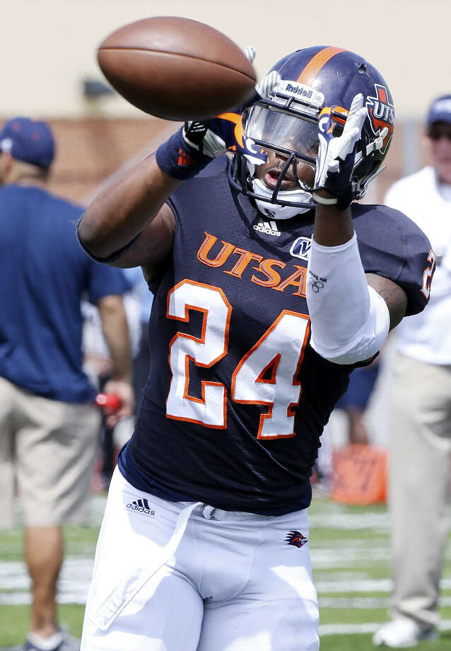 Cornerback Darrien Starling was part of a UTSA secondary that struggled mightily last season. Photo: Edward A. Ornelas / San Antonio Express-News