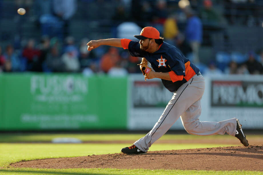 March 27: Mets 6, Astros 2Astros starting pitcher Edgar Gonzalez throws during the first inning. Photo: Jeff Roberson, Associated Press / AP