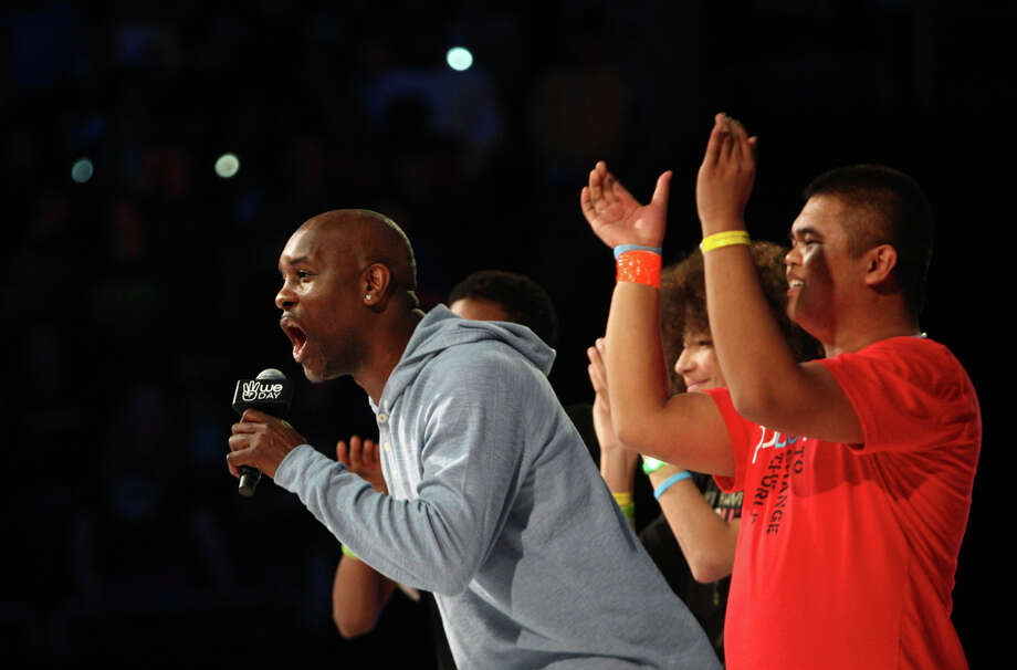 Former SuperSonic Gary Payton speaks during We Day. Photo: JOSHUA TRUJILLO / SEATTLEPI.COM