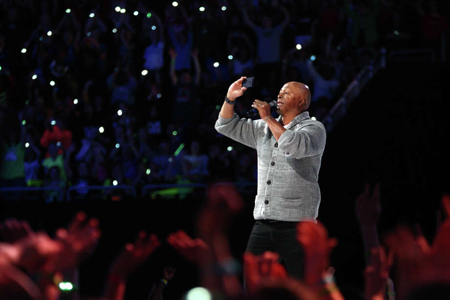 Motivational speaker J.R. Martinez speaks during We Day. Photo: JOSHUA TRUJILLO / SEATTLEPI.COM
