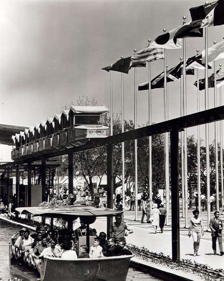 HemisFair '68's mini-monorail consisted of ten 40-passenger trains, each with 10 cars, that ferried 4,000 to 4,500 persons per hour across the fair on the 1½-mile long track at a speed of 15 mph. Photo: San Antonio Express-News File Photo / SAN ANTONIO EXPRESS-NEWS