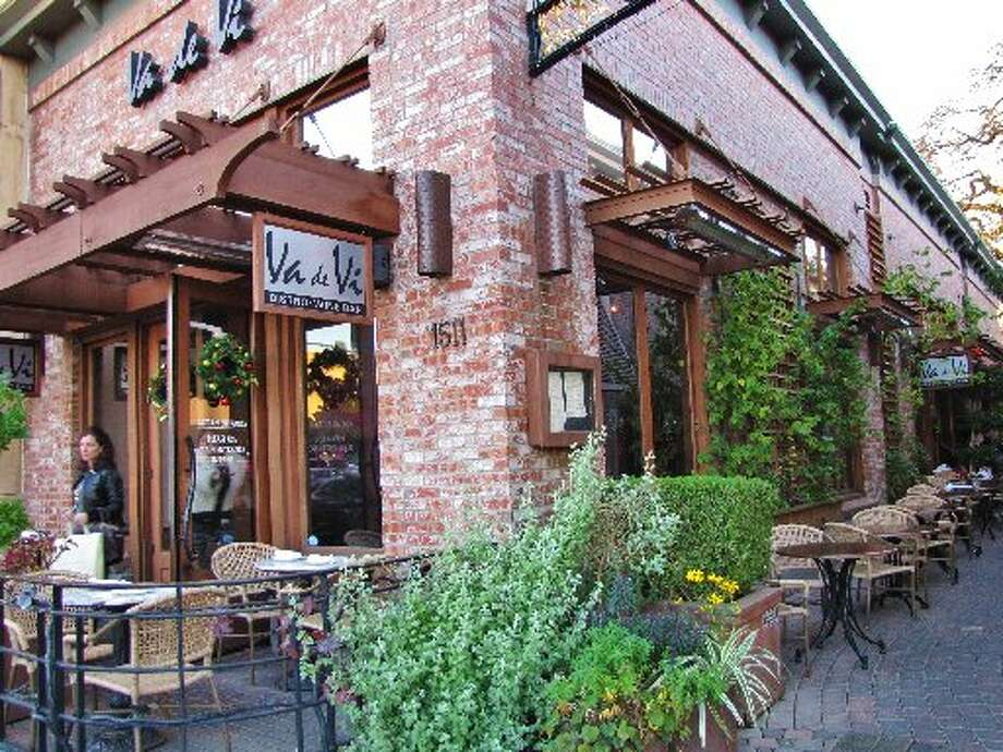 The exterior of Va de Vi in Walnut Creek