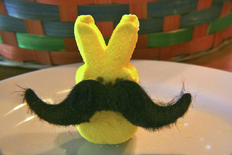 Peep in disguise(katerha / Flickr Creative Commons)