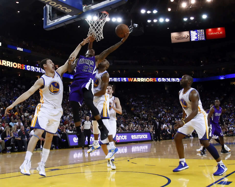 Isaiah Thomas (22) of the Kings drives to the basket in the second half. Photo: Carlos Avila Gonzalez, The Chronicle / ONLINE_YES