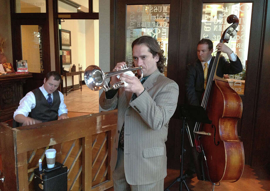 South Texas Jazz Trio performs Tuesday nights at Lüke.