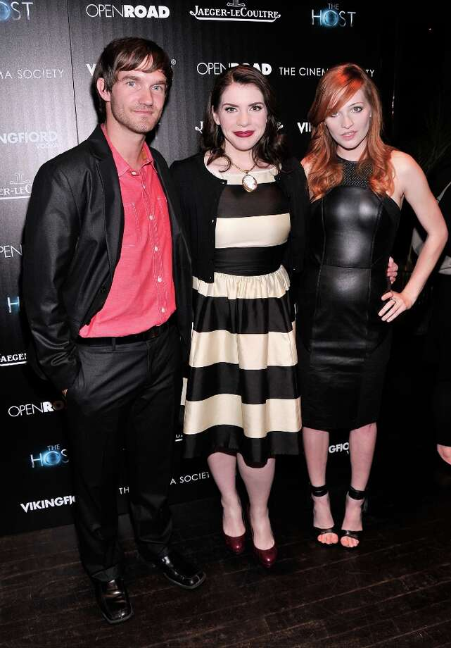 (L-R) Lee Hardee, Stephenie Meyer and Raeden Greer attend The Cinema Society and Jaeger-LeCoultre Hosts A Screening Of The Host at Tribeca Grand Hotel on March 27, 2013 in New York City. Photo: Stephen Lovekin, Getty Images / 2013 Getty Images