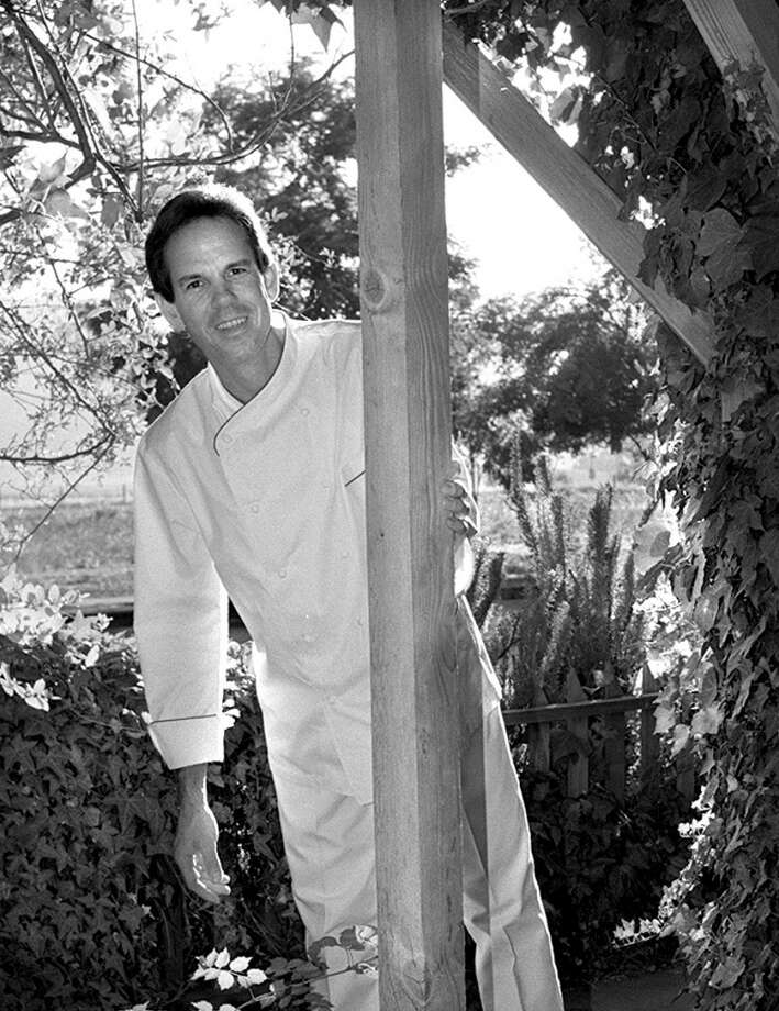 Thomas Keller plays peek-a-boo upon opening the French Laundry, 1994.