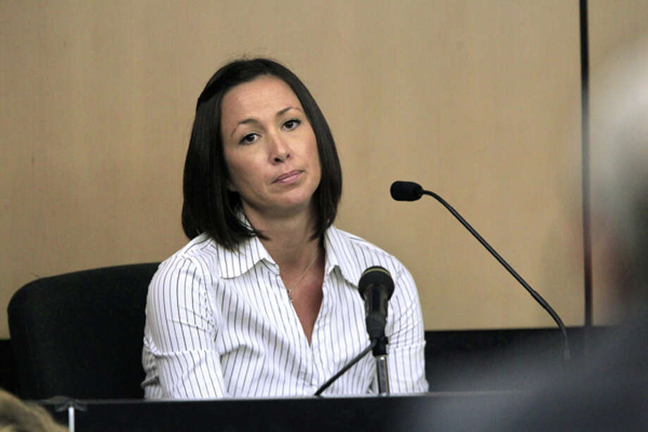 Player's Club bartender Cathleen Lewter testifies on the first day of John Goodman's DUI Manslaughter trial in West Palm Beach, Fla., Tuesday, March 13, 2012. Goodman is accused of driving drunk and leaving the scene of the February 2010 crash that killed 23-year-old Scott Wilson.  (AP Photo/The Palm Beach Post, Lannis Waters, Pool) Photo: Lannis Waters, Associated Press / Pool, The Palm Beach Post