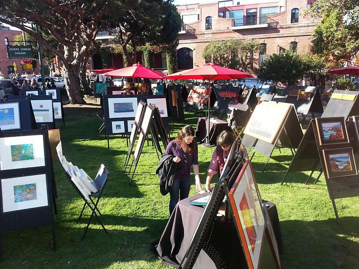 Red Umbrellas exhibition at Joseph Conrad Square