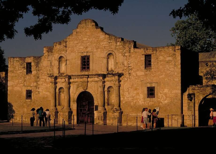 Is that the real Alamo next to the Rivercenter mall? Did they move it? Photo: Visit San Antonio