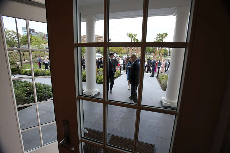 The doors are open at the dedication of a the new Fisher House, which is near Audie Murphy VA Hospital in the Medical Center. Photo: Photos By Tom Reel / San Antonio Express-News