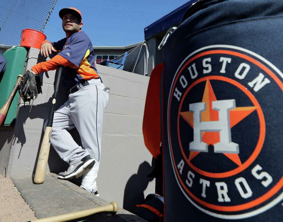 Jose Altuve, an All-Star reserve last year, has picked up where he left off by hitting .344 this spring. Photo: David J. Phillip, STF / AP