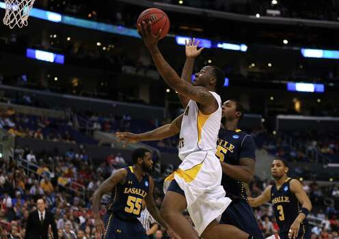 LOS ANGELES, CA - MARCH 28:  Malcolm Armstead #2 of the Wichita State Shockers goes up for a shot against the La Salle Explorers in the second half during the West Regional of the 2013 NCAA Men's Basketball Tournament at Staples Center on March 28, 2013 in Los Angeles, California. Photo: Jeff Gross, Getty Images / 2013 Getty Images