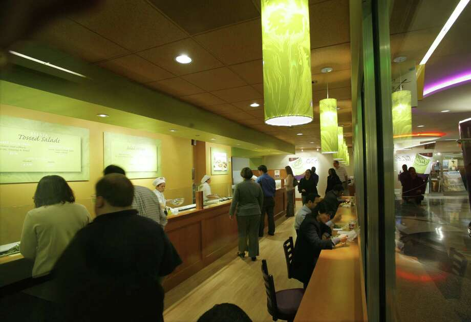 Lines were forming at Salata all the way back in 2007. Photo: Steve Ueckert, Houston Chronicle / Houston Chronicle