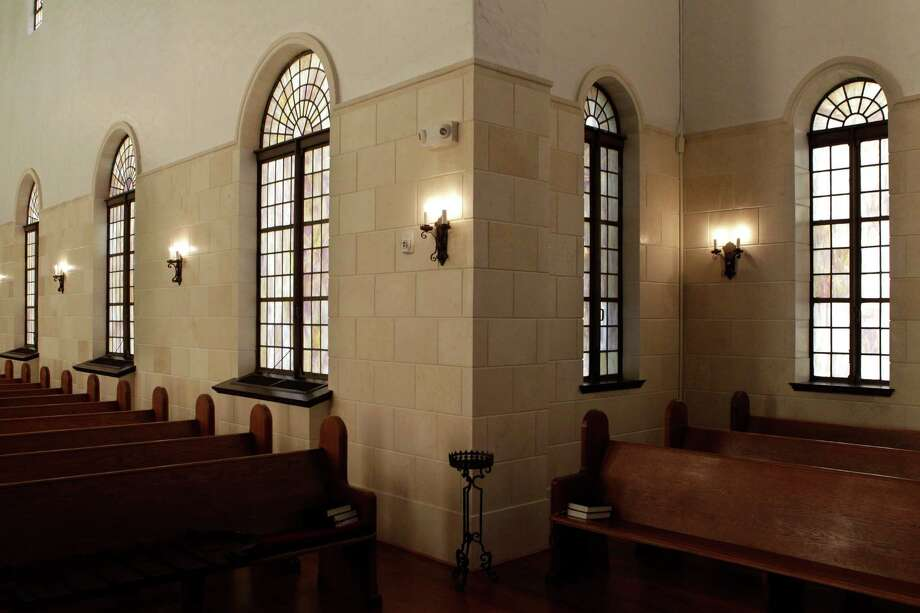 Another view of the sanctuary. Photo: Melissa Phillip, Houston Chronicle / © 2013  Houston Chronicle