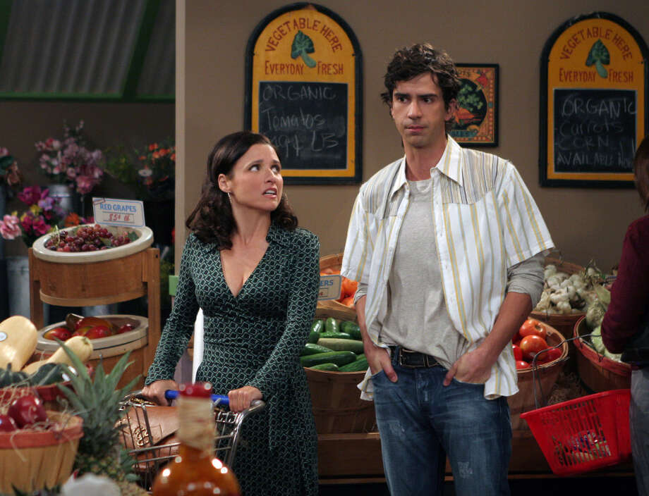 Julia Louis-Dreyfus (left) scored another sitcom hit with the CBS comedy 'The New Adventures of Old Christine,' but it was no 'Seinfeld.' Photo: CBS Photo Archive, CBS Via Getty Images / 2006 CBS Photo Archive