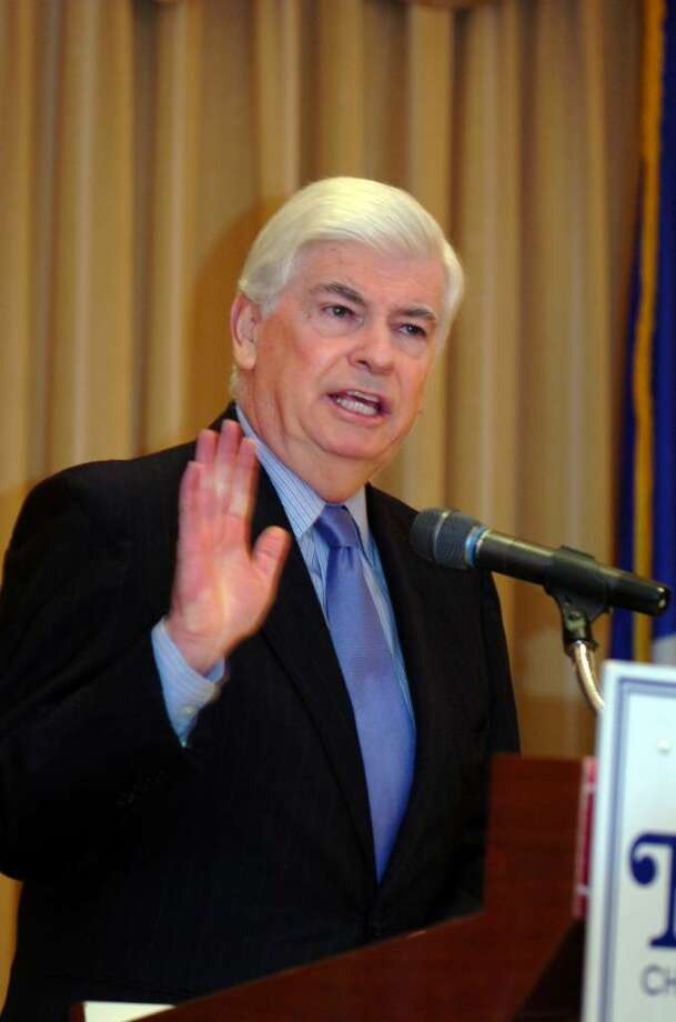 Norwalk, Jan. 5, 2010.  Senator Christopher Dodd speaks at the Norwalk Chamber of Commerce meeting at the Norwalk Inn and Conference Center. Photo: Helen Neafsey / Greenwich Time
