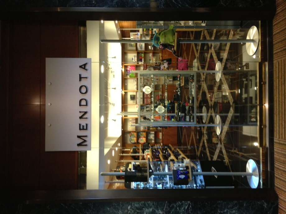 Mendota has opened a second downtown location in the lobby level at Hyatt Regency Houston, 1200 Louisiana.