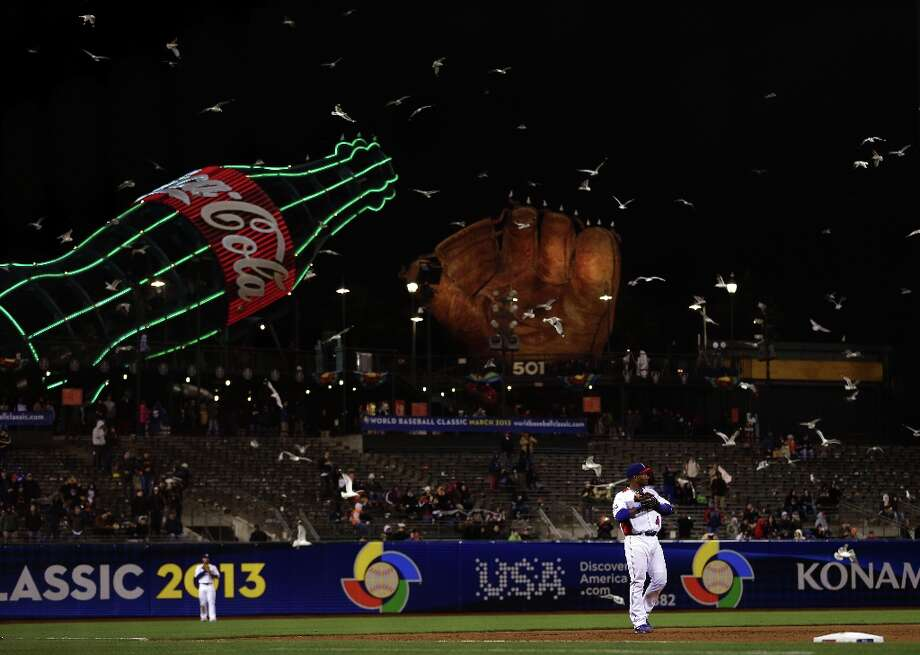 Miguel Tejada of the Dominican Republic stands at shortstops as seagulls circle overhead during the semifinal of the World Baseball Classic at AT&T Park on March 18, 2013 in San Francisco, California. Photo: Ezra Shaw, Getty Images / 2013 Getty Images