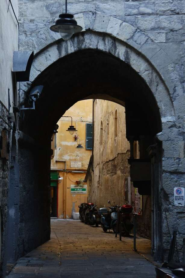 A typical narrow carrugio street.