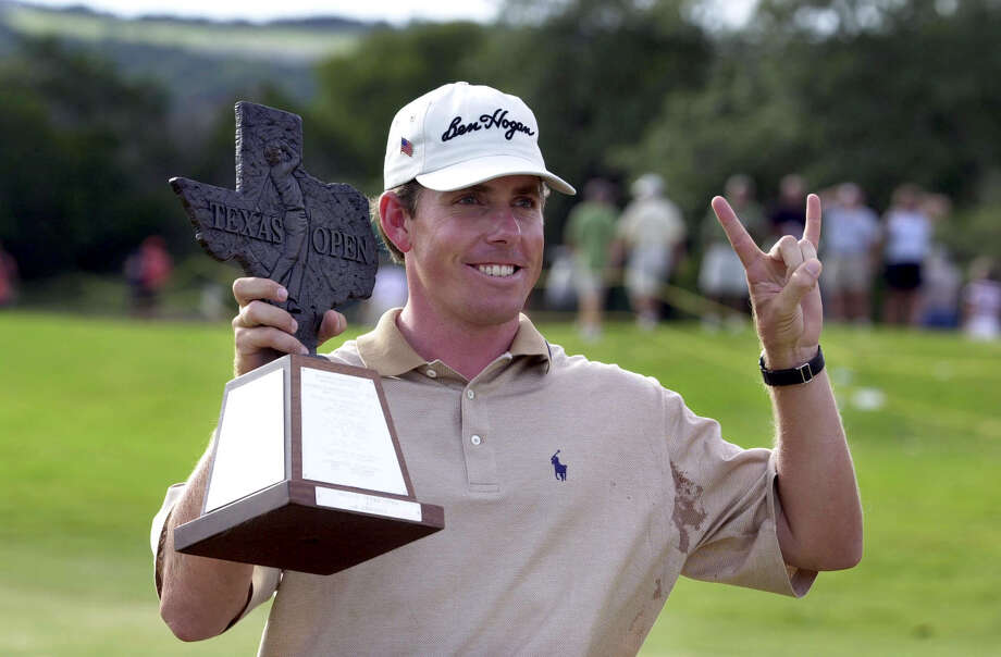 Justin Leonard, a former Longhorn, celebrates his second Texas Open title at La Cantera in 2001. Photo: BAHRAM MARK SOBHANI, EN / SAN ANTONIO EXPRESS-NEWS