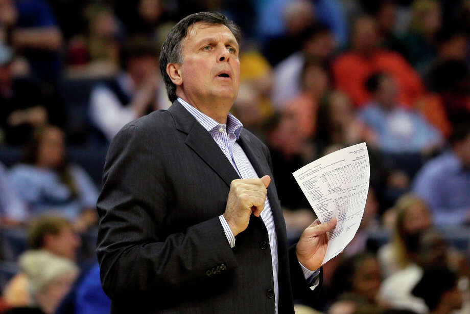 Rockets coach Kevin McHale watches his team during the first half. Photo: Danny Johnston