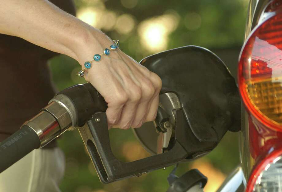 Limiting sulfur emissions will add to gasoline's cost. Photo: Steve Ueckert, Staff / Houston Chronicle