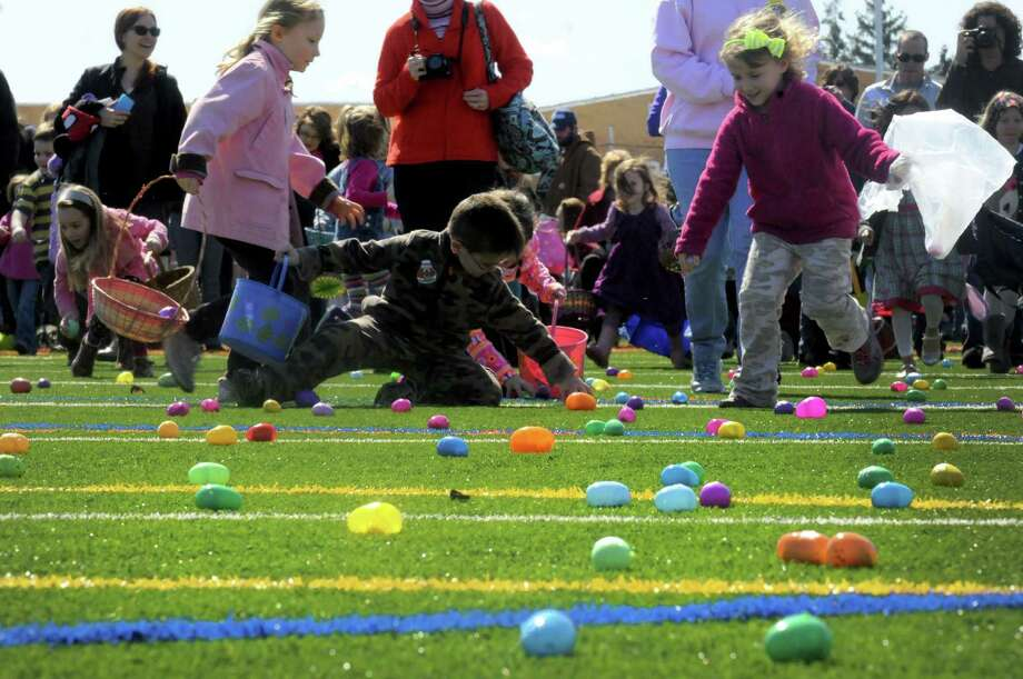Children a parents break from the start during the 5th Annual Great Schuylerville Egg Hunt on Saturday March 30, 2013 in Schuylerville, N.Y. (Michael P. Farrell/Times Union) Photo: Michael P. Farrell