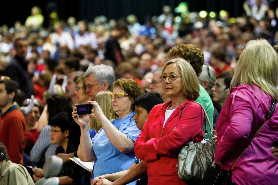 Hundreds of onlookers - both parents and students - enjoy the qualifying rounds. Photo: JORDAN STEAD / SEATTLEPI.COM