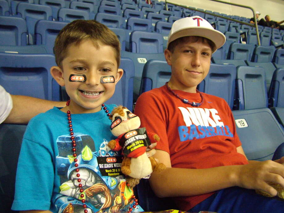 mySpy: Texas Rangers / San Diego Padres at the Alamodome, March 30, 2013 Photo: Pam Howell