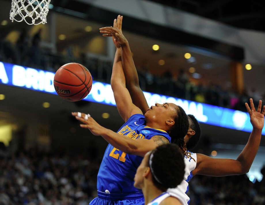 Women's NCAA Tournament Regional Semifinals between University of Delaware and the University of Kentucky at the Webster Bank Arena in Bridgeport, Conn. on Saturday March 30, 2013. Photo: Christian Abraham / Connecticut Post