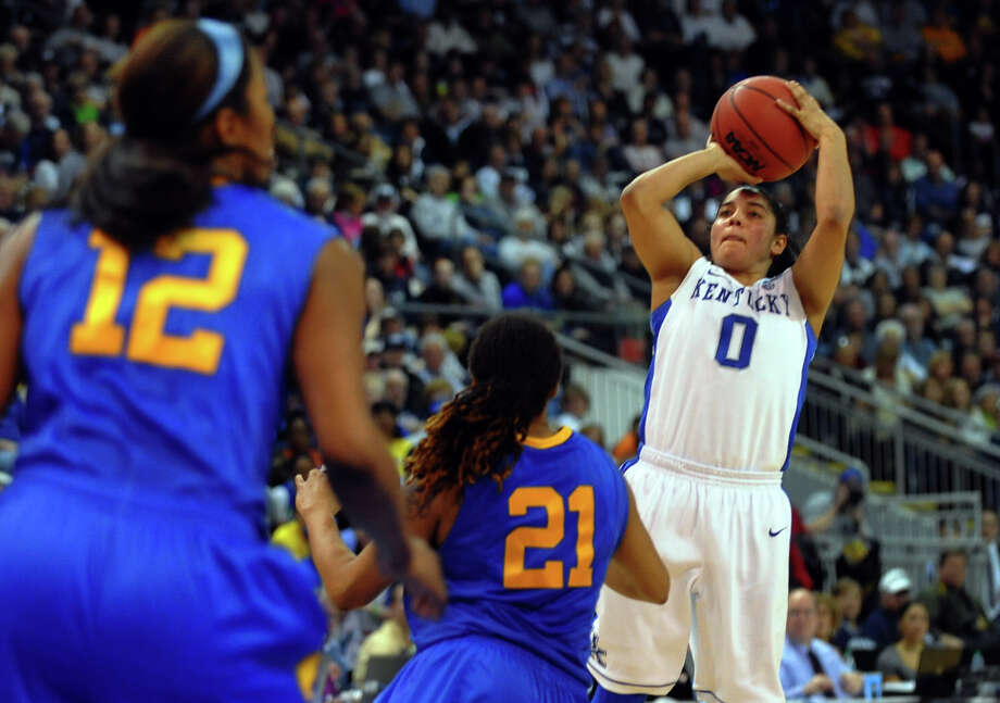University of Kentucky's Jennifer O'Neill looks for two, during women's NCAA Tournament Regional Semifinal action against University of Delaware at the Webster Bank Arena in Bridgeport, Conn. on Saturday March 30, 2013. Photo: Christian Abraham / Connecticut Post
