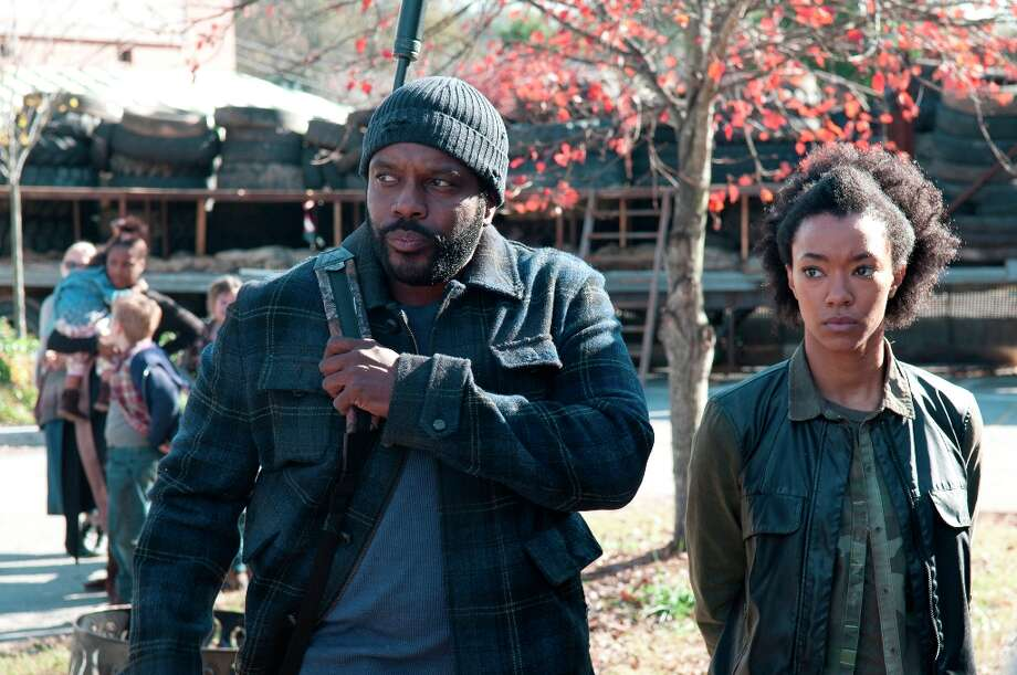 Tyreese (Chad Coleman) and Sasha (Sonequa Martin-Green) - The Walking Dead - Season 3, Episode 16 - Photo Credit: Gene Page/AMC Photo: Gene Page