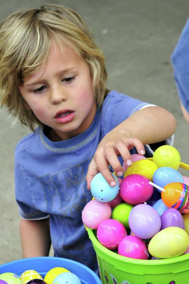 Abundant Life United Pentecostal Church, 191 E. Highway 327, in Silsbee, hosted a community egg hunt Saturday with more than 1,000 eggs. Photo: Cassie Smith