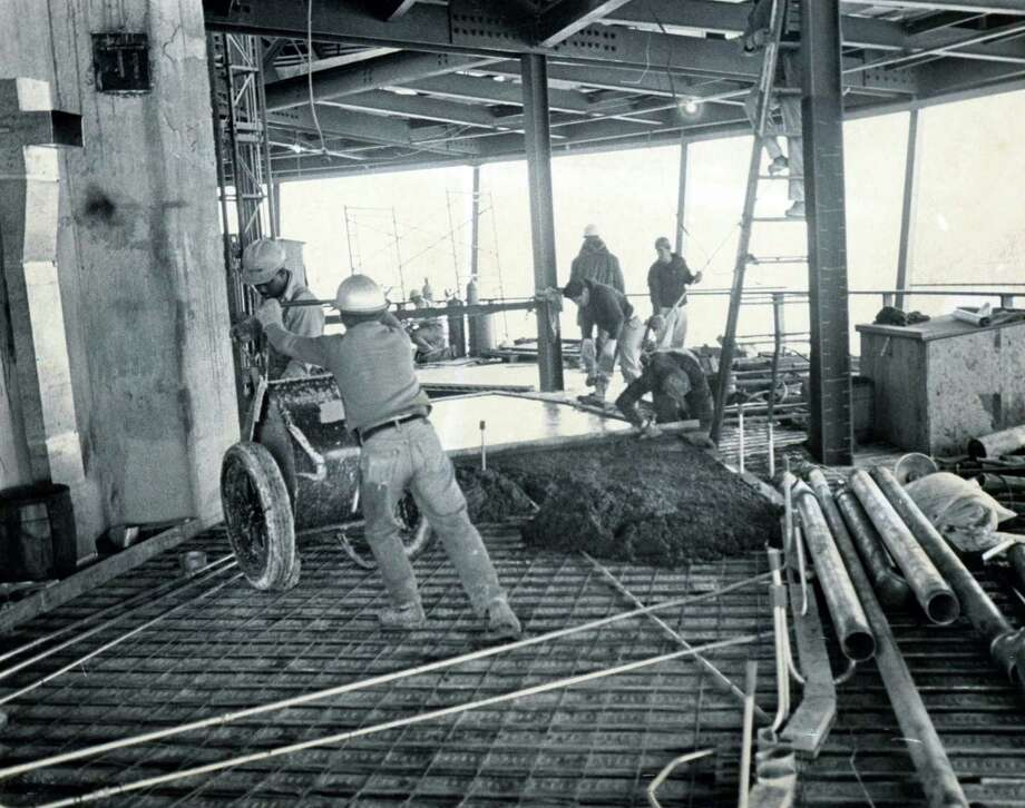 Construction continues in the tophouse of the Tower of the Americas on Feb. 16, 1968. Photo: San Antonio Express-News File Photo / SAN ANTONIO EXPRESS-NEWS